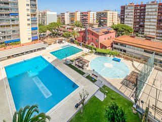 Sunny apartment ideal families 20min Barcelona