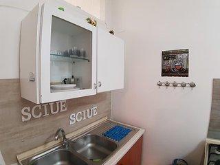 Grazioso monolocale piano terra 5 posti letto nel centro storico di Napoli