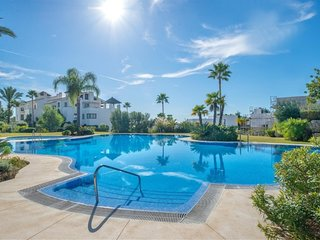 Mirador del Paraiso , luxury apartment with sea views .