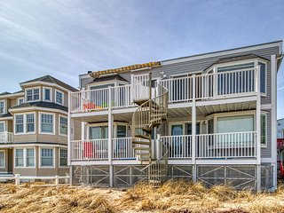 Oceanfront condo w/ beautiful views, balcony & direct beach access!