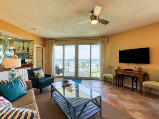 Combined beach condos w/ Gulf views plus access to a shared pool & fitness room