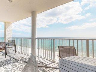 Beachfront condo in a gated resort w/ Gulf view balcony, 3 pools & hot tub!