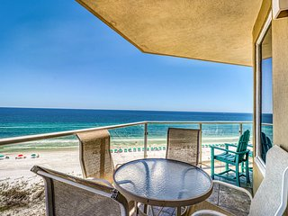 Soothing Gulf view home w/ furnished patio, shared pool, pool spa, & gym