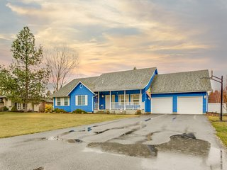 Spacious home w/ gas fireplace, grill, & large yard w/ lots of privacy!