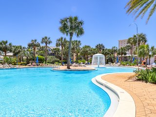 NEW LISTING! Spacious condo w/ amazing views, shared pools, & easy beach access