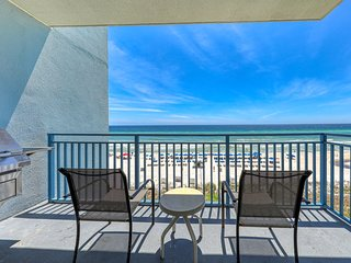 Waterfront condo w/ a shared pool & hot tub - walk to Pier Park!