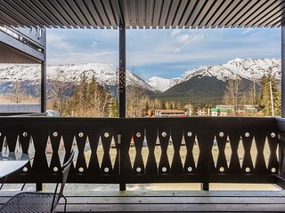 Ski-in/ski-out condo w/ gas fireplace, balcony & stunning mountain views!