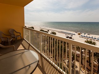 Comfortable, waterfront condo w/ incredible views, shared pools, & fitness room