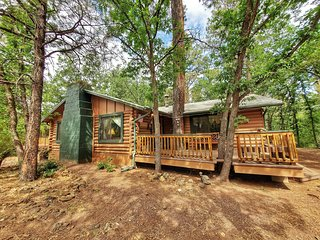 Ohana Lodge - Vintage log cabin in Pinetop Country Club