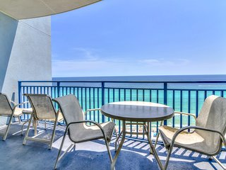 Gulf-front condo right on the beach w/ private balcony & resort pool/hot tub!