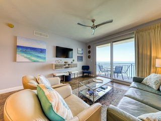 Unspoiled Gulf-front views, direct beach access & shared pool/hot tub/gym!