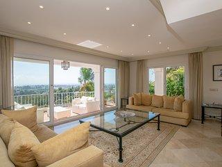 Stunning Exclusive Villa Overlooking La Quinta