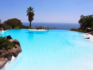 Casa Mia Tenerife Adeje, piscina y vista sobre el mar