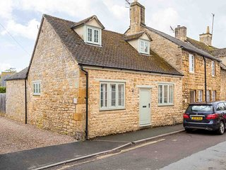 Brook Cottage is a period property in the picturesque town of Chipping Campden.