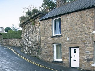 BRIDGE COTTAGE, pet friendly, character holiday cottage, with a garden in