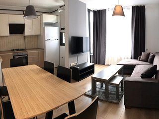 Mas Suites Apartments - 2 bedroom duplex apartment 2 min- civaher mall MIA