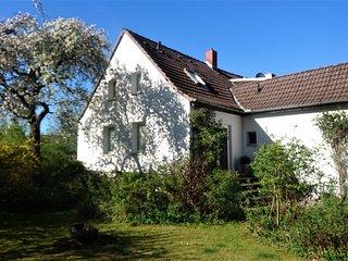 Sonniges Hauschen mit grossem Garten