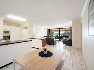 Cannonvale Central 2 bedroom