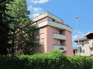 1 bedroom Apartment with Walk to Beach & Shops - 5793246