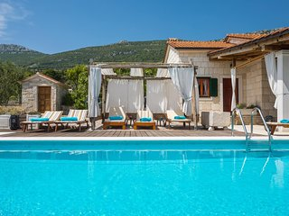 Lovely Villa Jure, in Dalmatia, with a Pool