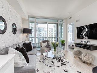 Classy & Refined 2-Bedroom Downtown Condo