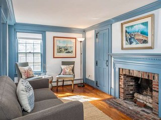 Special! King's Rook Enchanting Marblehead, Near Salem, family friendly, off str