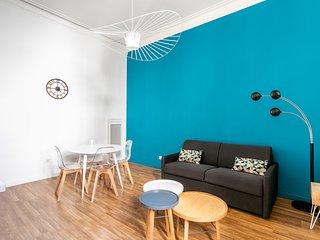 Hôtel particulier situé dans l'Ecusson : appartement fraîchement rénové au calme