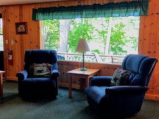 New! 2 Bedroom Cottage on Little Saint Germain Lake.