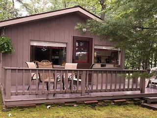 New! Seasonal 2 Bedroom Cabin on Little Saint Germain Lake!