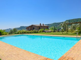 House with private pool and spectacular panoramic views