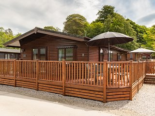 Corner Retreat Lodge, White Cross Bay Holiday Park