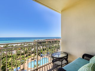 Relaxing condo w/ gulf views from private balcony - pool, gym & BBQ area!