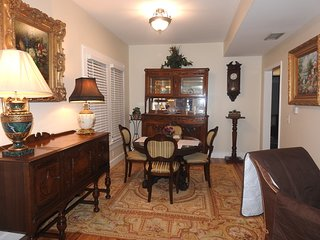 Charming 1920's Historic Saint Augustine Home. Pet friendly