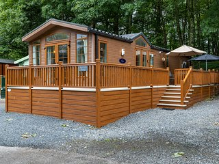 Squirrels Snug Lodge, White Cross Bay Holiday Park