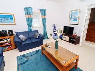 Villa Grace - Three Bedroom Holiday Home