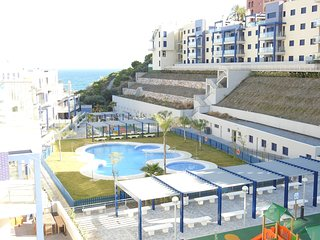 Penthouse Cabria, modern 3 bedroom apartment, private jacuzzi, swimming pool