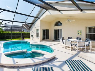 (4792-CUM) 4 Bed Home, Pool & Spa, 10 min to Disney