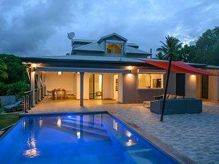 Villa Clerc Convenance - Sea View & Swimming Pool