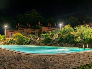 2 bedroom Villa with Pool - 5719162