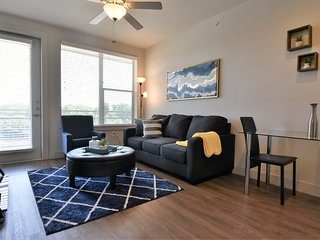 Stylish 1Bd/1Bt Apartment* Uptown Dallas / Parking