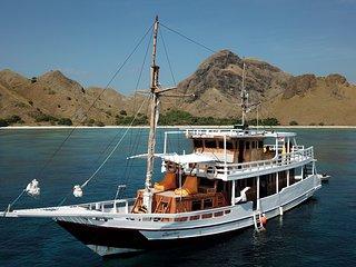 CarpeDiem Premium Pinisy Boat