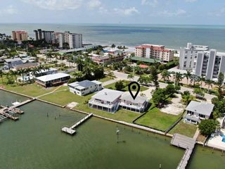 Charming Bay Side Apartment! Breathtaking Views! Beach Access, Free Boat Dock, P
