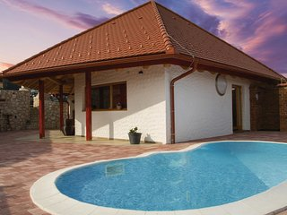 Beautiful home in Bodonci w/ Outdoor swimming pool, WiFi and Outdoor swimming po