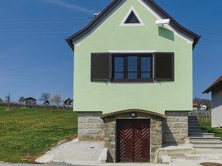 Stunning home in Deutsch Schutzen w/ WiFi and 1 Bedrooms