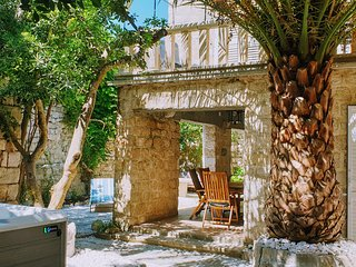Rector's villa - oasis inside medieval walls in the middle of historical center