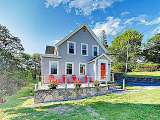 The Historic Harrington House - In Town, 3BR w/ Ocean Views!