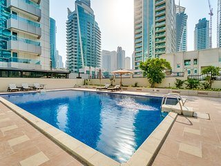 In The Heart of the Marina, Luxury 2 Bedroom Close to Metro and Tram
