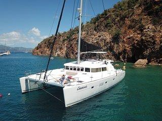 Yacht Catatonic-Crewed All-Inclusive BVI Charters