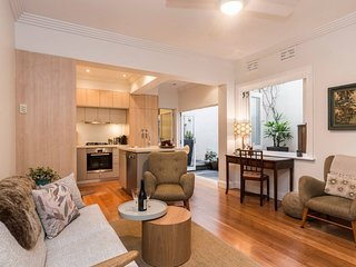 Art Deco 2 Bed Sydney/Darlinghurst Gem