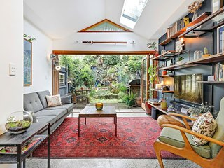 Charming 2 Bedroom Victorian Cottage in Rozelle